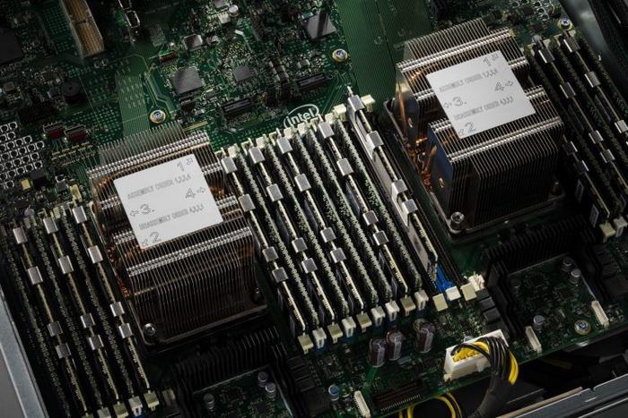 Intel-3dx_DIMM-1.jpg