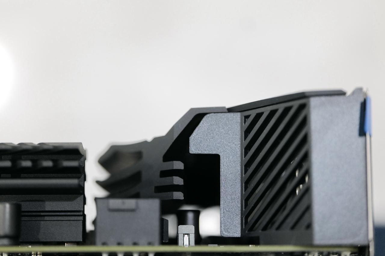 B560_8.JPG