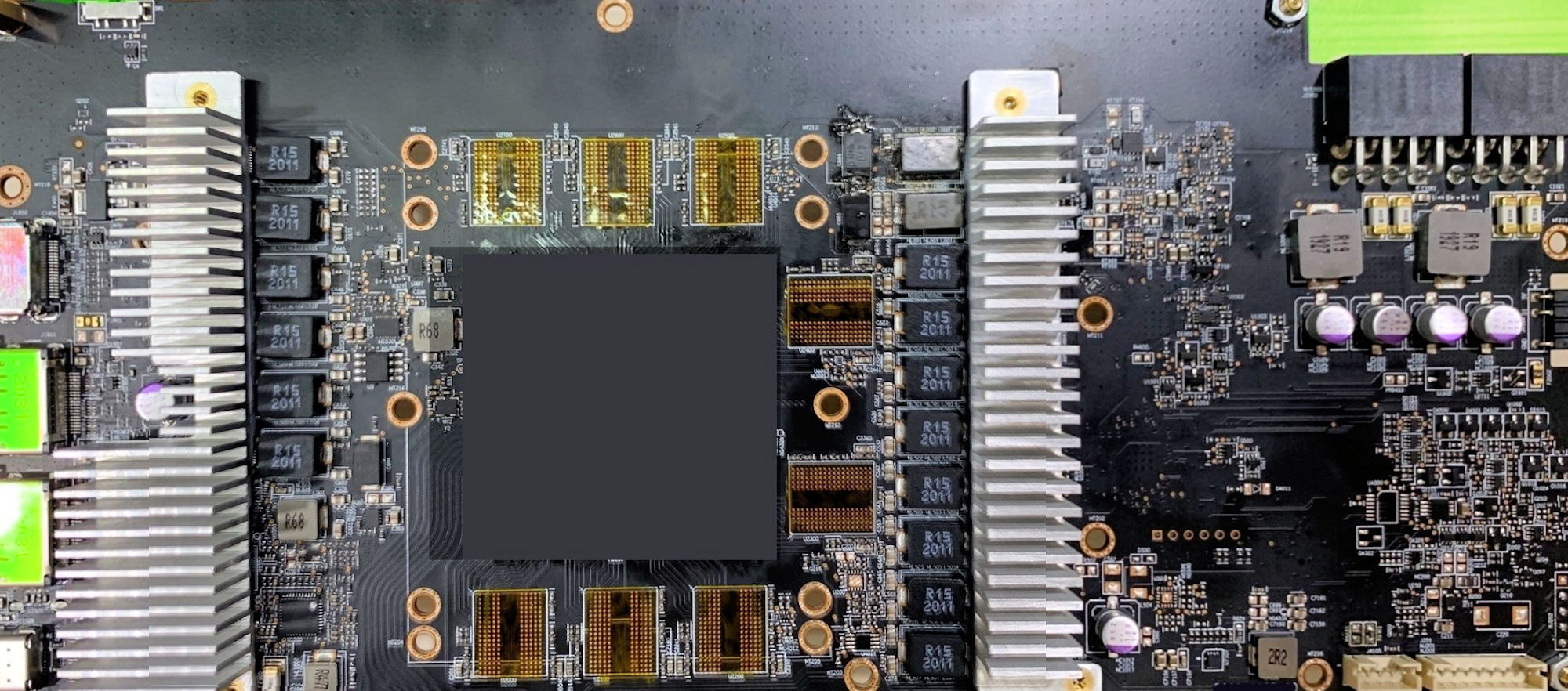 https://www.coolaler.com.tw/image/news/20/10/AMD-Radeon-RX-6800XT-PCB.jpg